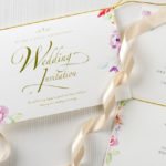 招待状の切手を購入する前に!切手代やマナー、綺麗な貼り方とは?