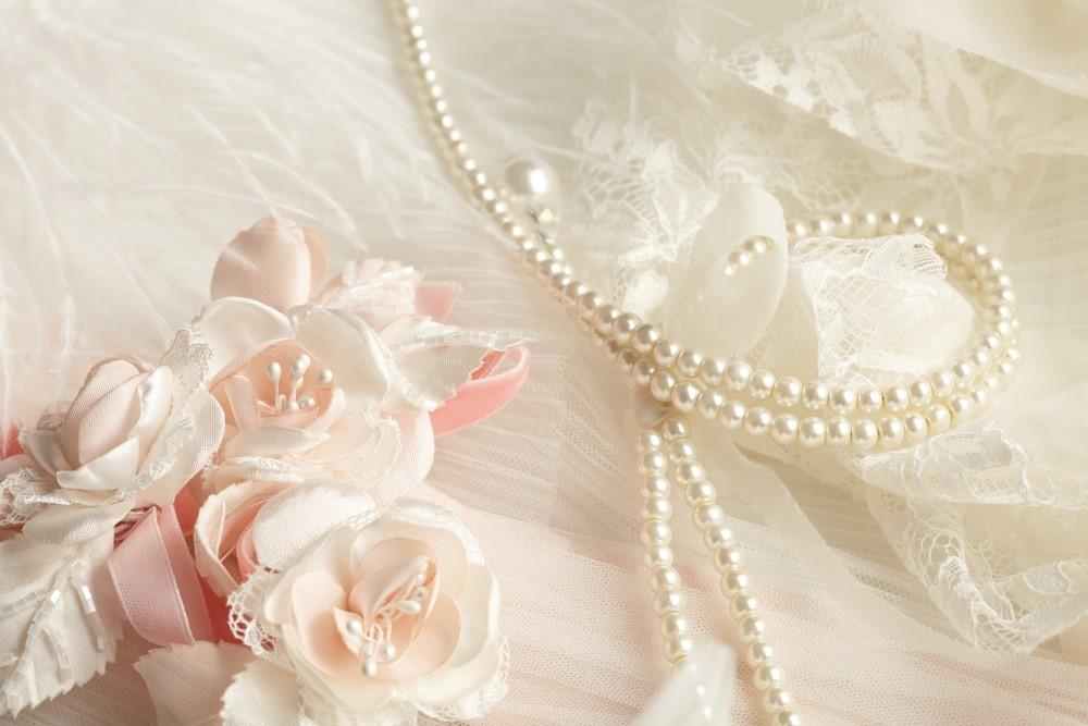 ウェディングドレスのアクセサリー