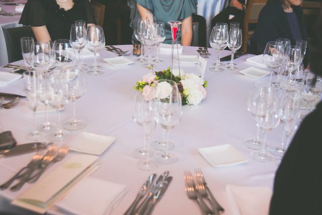 ゲストテーブルの円卓