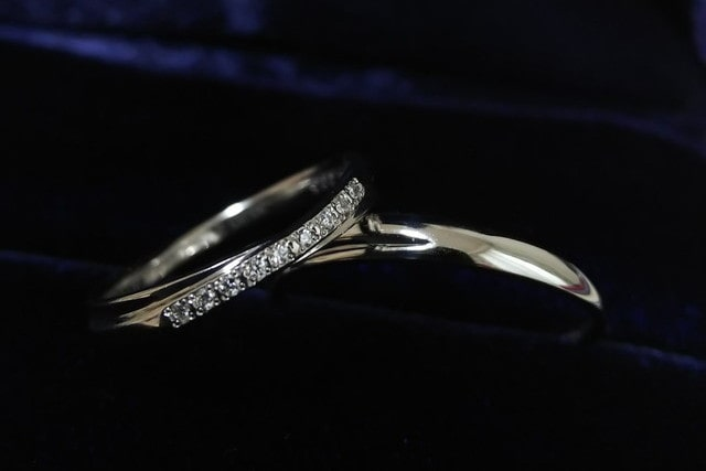 ハーフエタニティの結婚指輪