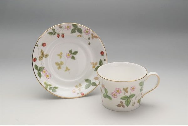 ウェッジウッド「ワイルド ストロベリーのカップ&ソーサー」