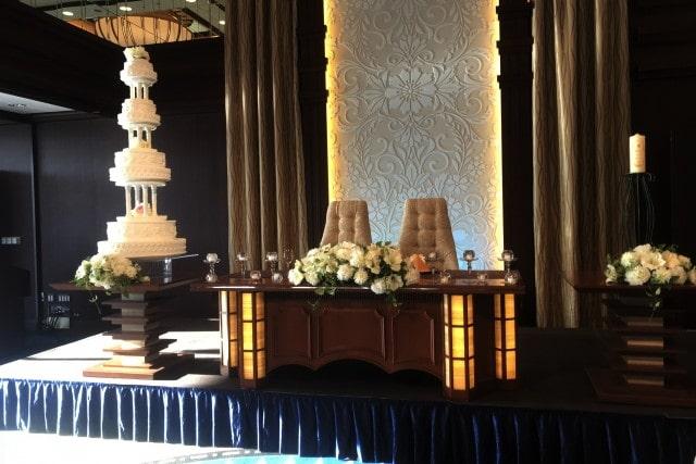 結婚式場の高砂