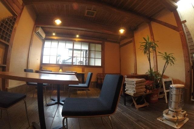 静かな喫茶店