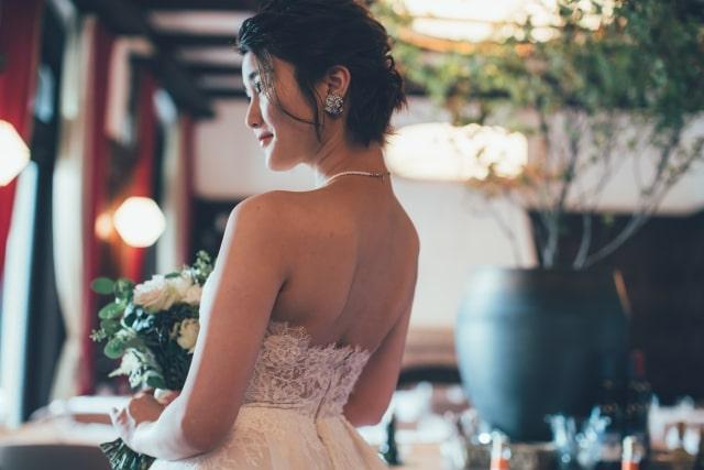 ウェディングドレス姿の花嫁さま