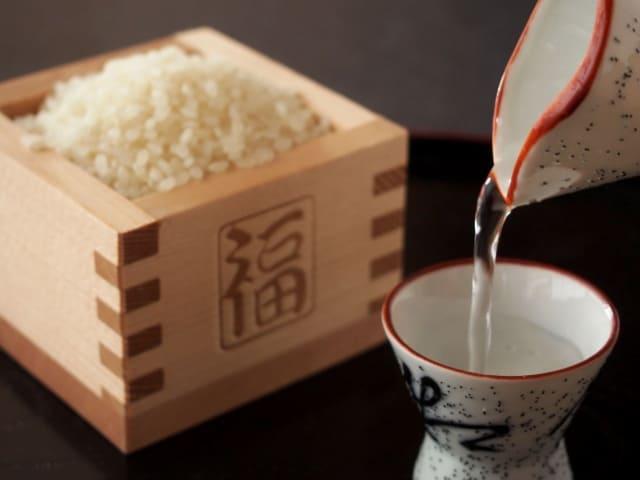 原材料のお米と日本酒