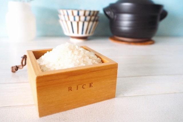 枡にいれたお米