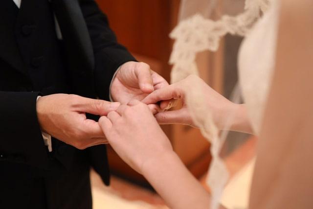 新郎新婦さまの指輪交換