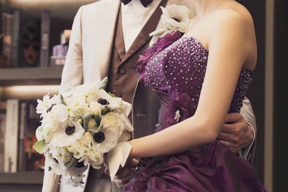 パープルのカラードレス
