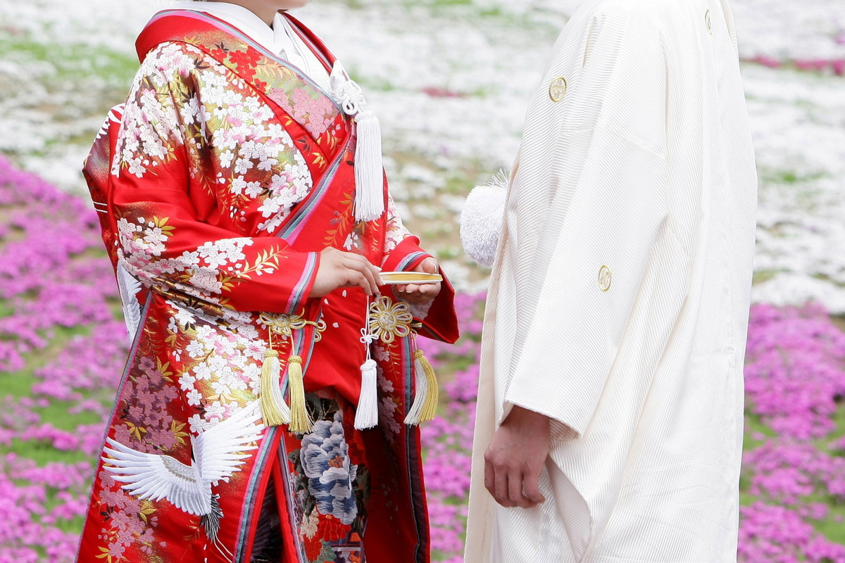 色打掛と紋付袴