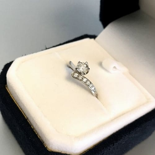 ふくながさんの婚約指輪のアップ写真