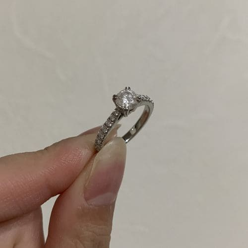 sato28さんの婚約指輪のアップ写真