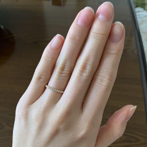 けいさんの婚約指輪 LAPAGE(ラパージュ) 手にはめた写真