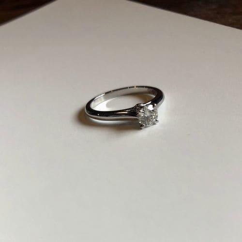 yu-eguさんの婚約指輪(カルティエ)