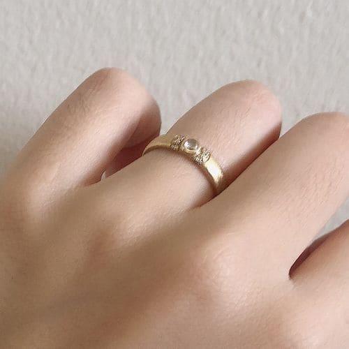 よねこさんの婚約指輪(agete)