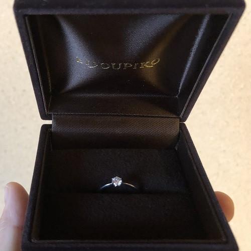 しおはじさん婚約指輪(ビジュピコ)