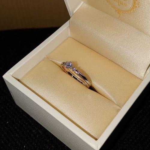 ノエンさんの婚約指輪 (タケウチブライダル)